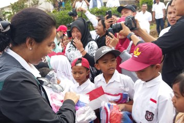 Menteri BUMN Tinjau Program Bedah Rumah Karyawan