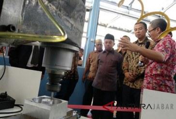 Bupati Samosir Hadiri Panen Bawang dan Jagung