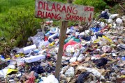 Asep Mengajak Masyarakat Tidak Buang Sampah Sembarangan