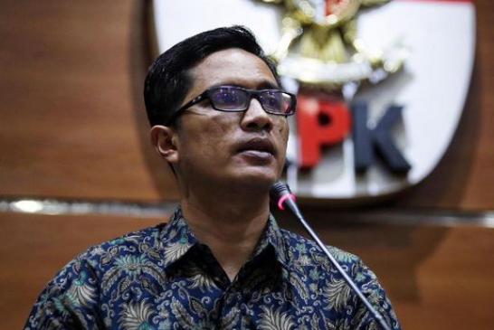 KPK Periksa Tiga Bupati dengan Kasus Berbeda