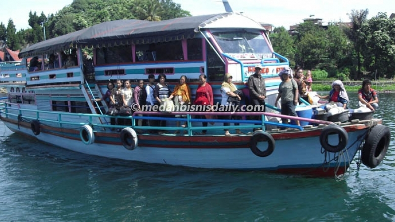 Dikabarkan Kapal Terbalik di Danau Toba di Kecamatan Nainggolan.