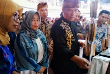Dedeh Kuswandini Siap Pasarkan Produk UKM Unggulan Pemkab Bandung