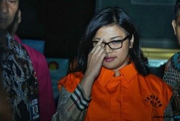 KPK Tahan Anggota DPR Fraksi Demokrat Rooslynda Marpaung