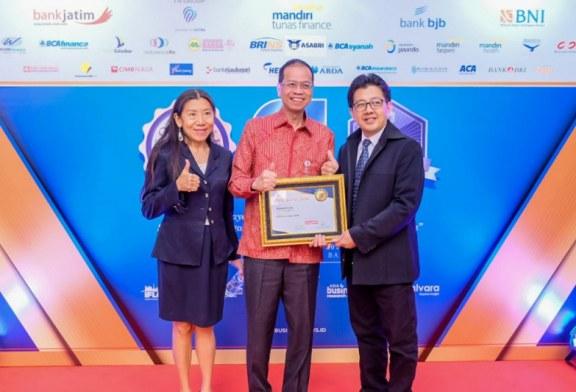 bank bjb terima penghargaan dari Majalah Indonesia Business News