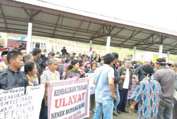 Masyarakat Siogung-Ogung Tolak SK 579 ke Kantor DPRD Samosir