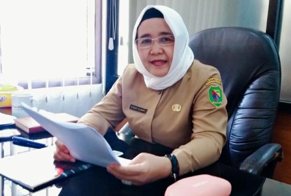 Kepala Seksi (Kasi) Kurikulum dan Kesiswaan SMP, Disdik Kabupaten Bandung,  Dra. Hj Eulis Yuliawati MM.Pd