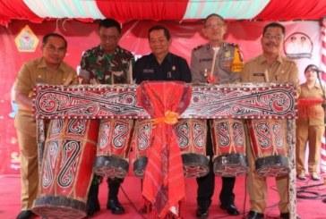 Pemukulan Gondang Batak sebagai tanda peluncuran e-Goverment berupa e-Kinerja.