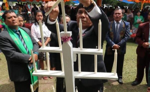 WABUP HADIRI IBADAH PERAYAAN NATAL GPDI SE-KABUPATEN SAMOSIR.