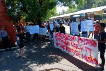 Komunitas Pemuda Independen-Cirebon Luruk Kantor Dinkes