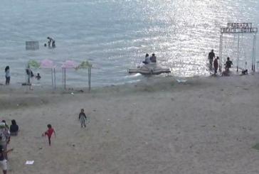 Pengunjung Pantai Pasir Putih Parbaba Harapkan Ada Rumah Makan Muslim