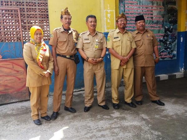 Sekdis Disdik Kab Bandung Pantau UNBK di Gugus 3
