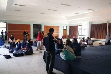 Mahasiswa Antusias Belajar di Kampus UPI Cibiru