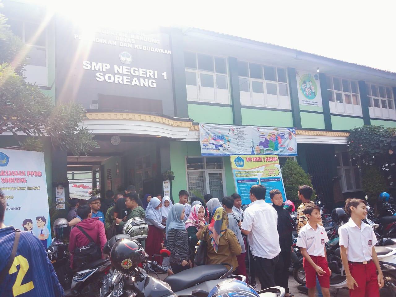 Sejumlah orangtua siswa Kecewa Anaknya Tidak Lolos PPDB 2019 di SMP 1 Soreang