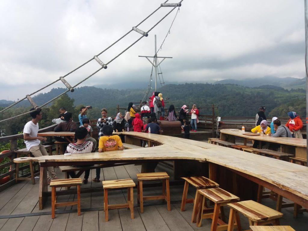 Objek wisata alam Glamping Lakeside di Desa Patengan Kecamatan  Rancabali, Kabupaten Bandung