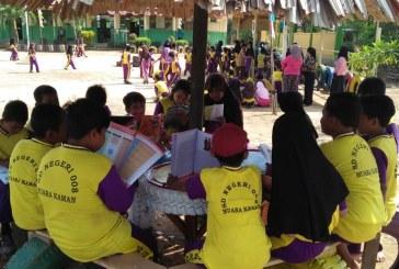 Sambut Hari Kemerdekaan, Bersama Orang Tua Siswa, SD ini Bangun Pondok Baca