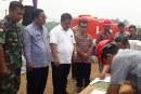 Perusahaan Sawit Agro Andalan Bagikan Alat Pemadam Kebakaran Lahan Kepada 7 Desa Binaan