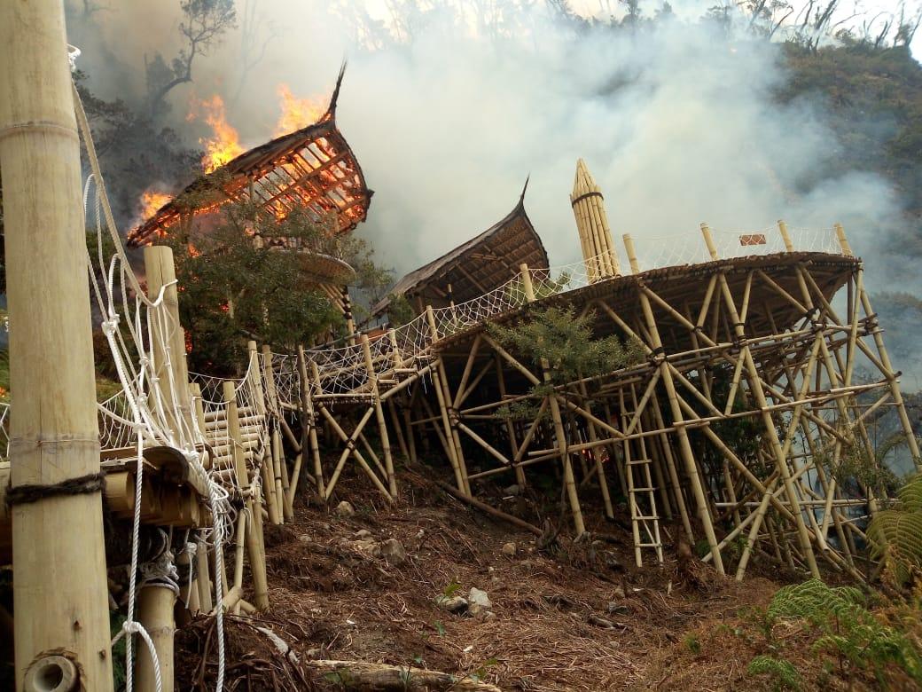 Titik Api Masih Menyala, Objek Wisata Kawah Putih Ditutup Sementara