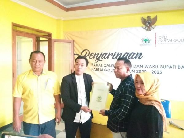 Timsel Terima Pengembalian Formulir Balon Bupati, H. Anang Susanto dan Agung Yansusan