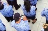 Bupatinya Serius Berikan Arahan, Pejabat Ini Malah Asyik Main Handphone